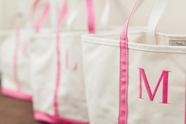weddings-Southern-wedding-ideas-pink-monogrammed-bags-bridesmaid-gifts ...