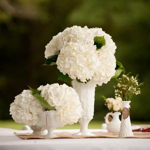 Southern-weddings-milk-glass-centerpieces