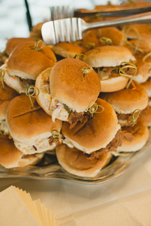 Southern-wedding-pulled-pork-sandwiches.jpg