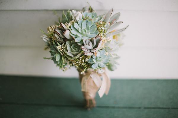 southern-wedding-succulent-bouquet