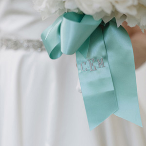 southern-wedding-monogrammed-bouquet-ribbon