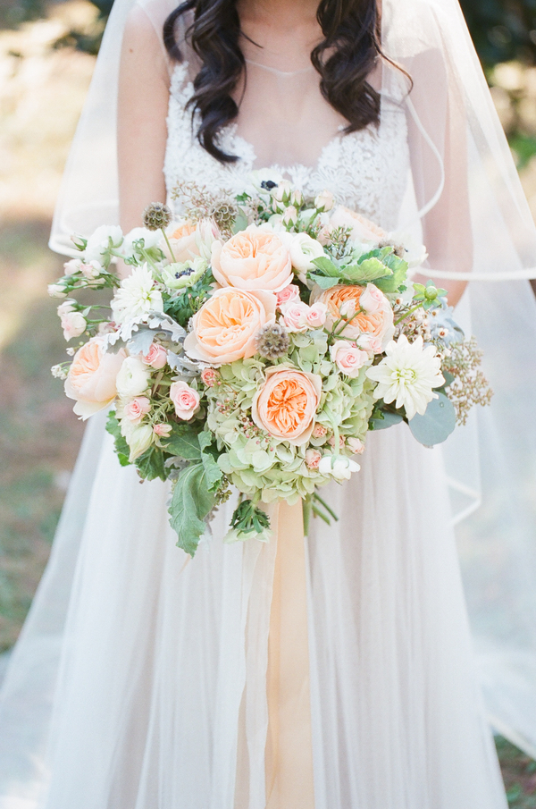 2015 most memorable bouquets southern weddings magazine bloglovin - Peach garden rose ...