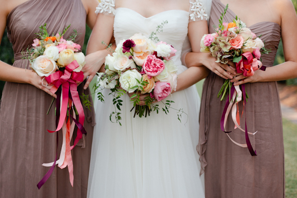 trailing ribbons on bridesmaid bouquets