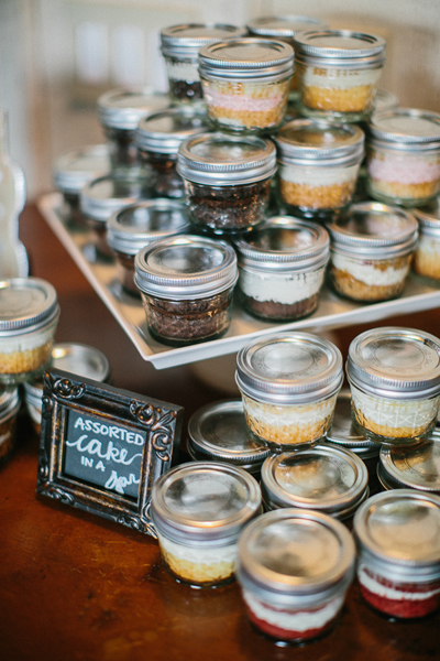 wedding cake in a jar it 22964